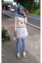 violet semi jins lokal brand leggings - blue sheer lokal brand scarf