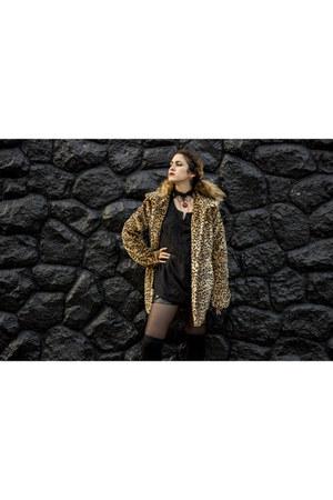 camel faux fur Basement coat - black faux leather shorts - black Basement pumps
