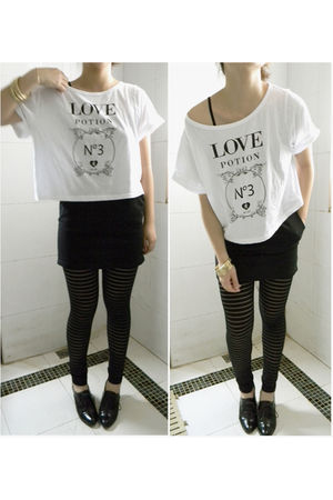 black no leggings - white cotton on t-shirt