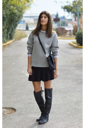 satchel Nowhere sweatshirt - flared boots - boots - knee high Noir boots