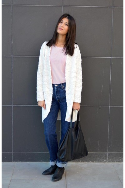 leather vagabond boots - 501 Levis jeans - powder pink Front Row Shop shirt