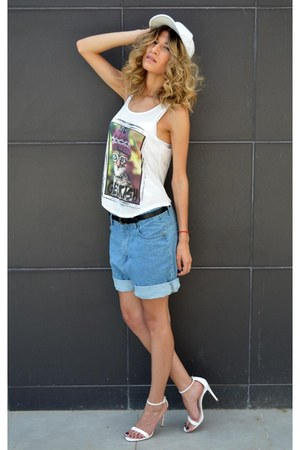 denim chicnova shorts - nofashionway top - white leather Zara heels