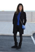 cobalt Nowhere bag - black Ugg Australia boots - blue choiescom sweater
