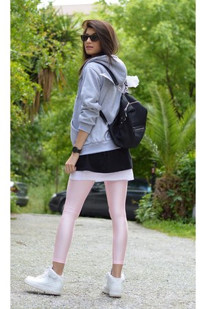 grey Sheinsidecom jacket - backpack Monki bag - wayfarer Ray Ban sunglasses