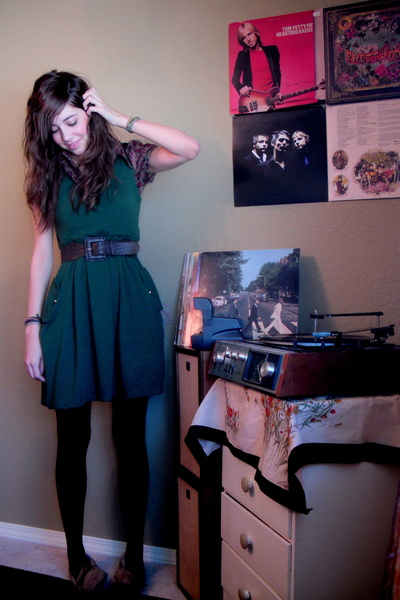 brown tights - green dress - brown blouse