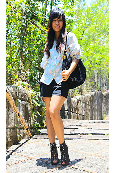 vintage top - Chickflick boots - dept store shorts - trove purse