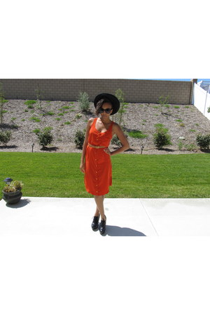 carrot orange tshirt dress Forever 21 dress - black madrid wool Nasty Gal hat