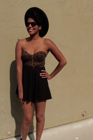 dark brown leopard print Motel Rocks bodysuit - black wool madrid Nasty Gal hat