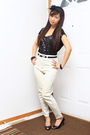 Black-forever-21-top-beige-thrift-store-jeans-black-aldo-shoes-black-suzy-