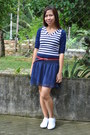 Top-lacoste-shoes-red-belt-skirt