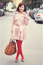 Pink-coat-red-tights-beige-bag