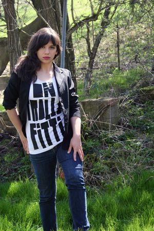 black vintage blazer - white Schwarzwaldkirsch shirt - blue Mustang jeans - blac