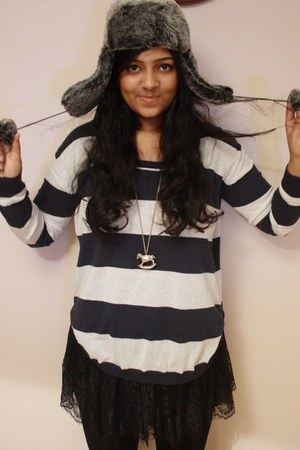lace H&M skirt - striped Republic sweater - Primark necklace