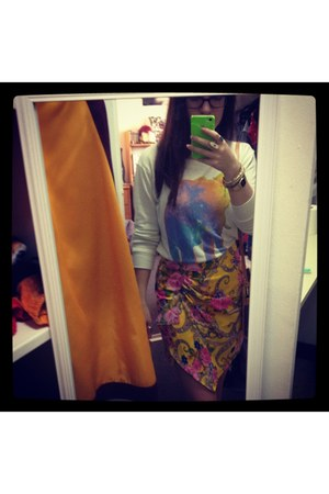 yellow printed asos skirt - graphic Urban Outfitters sweatshirt