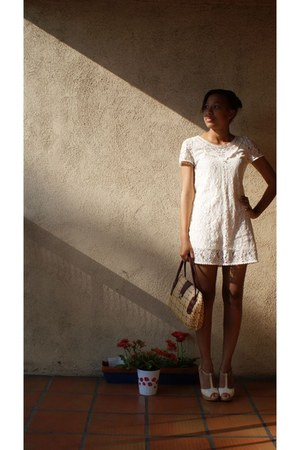 ivory lace dress Moon Collection dress - tan basketweave Vintage Thrifted bag -