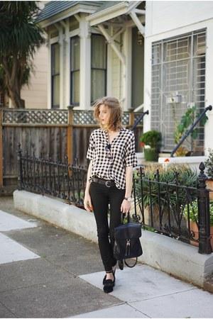 black BLANKNYC jeans - white madewell top