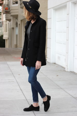 black sam edelman shoes - black banana republic coat - blue AG denim jeans