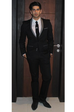black shawl collar suit - black knit tie