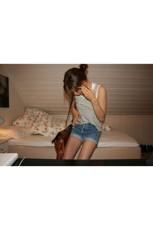 white American Apparel top - blue Vintage Levis Urban Outfitters shorts - brown