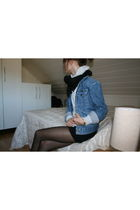 Wrangler jacket - H&M stockings - Secondhand top - H&M scarf - H&M shorts