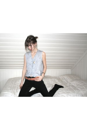 Nudie Jeans jeans - H&M belt - Secondhand blouse - Secondhand bracelet