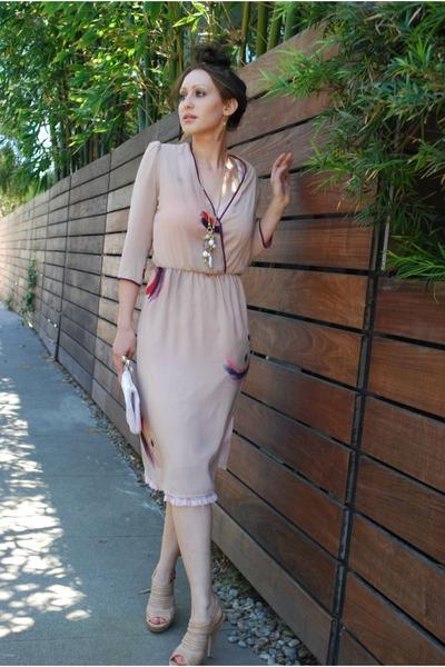 beige BCBG heels - neutral thrifted vintage dress