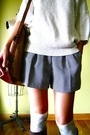 White-vintage-sweater-gray-vintage-shorts