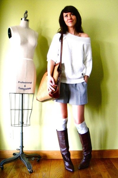 white vintage sweater - gray vintage shorts