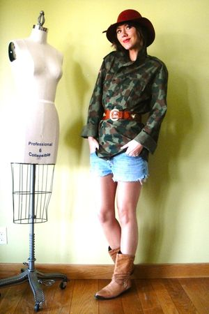 green vintage shirt - red vintage hat