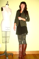 gray welovecolorscom tights - green vintage blazer