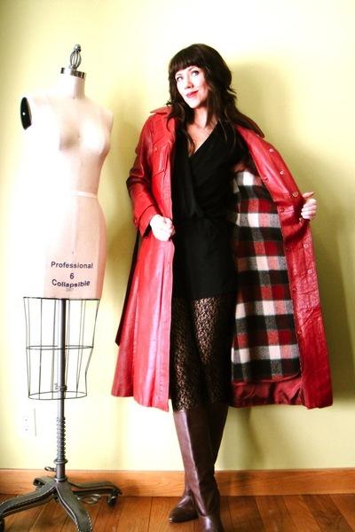 red vintage coat - blue vintage coat - red vintage coat - green vintage coat - o
