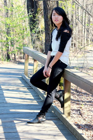 black cut out Yesstyle boots - black denim Forever 21 jeans