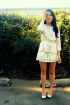 white shorts - white peplum blouse - ivory heels - neutral belt
