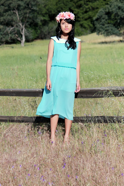 sky blue loose fitted DIY dress - salmon faux floral DIY hair accessory