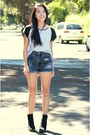 Black-boots-heather-gray-color-block-shirt-black-distressed-shorts