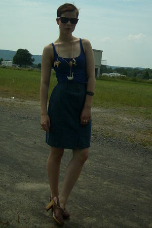 blue H&M t-shirt - blue vintage skirt - brown vintage shoes - DIY necklace - bro