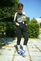 gray H&M shirt - black Zara shorts - blue Zara shoes - black vintage belt - brow