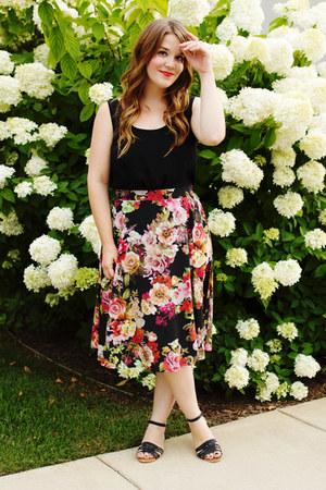 black modcloth skirt - black Forever 21 top - black modcloth sandals
