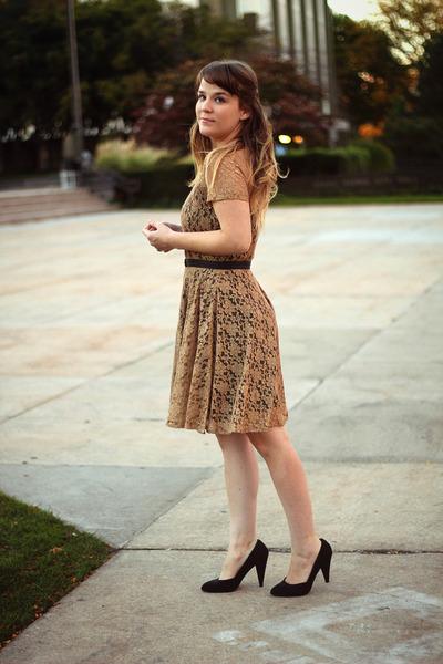 gold modcloth dress - black Forever21 heels