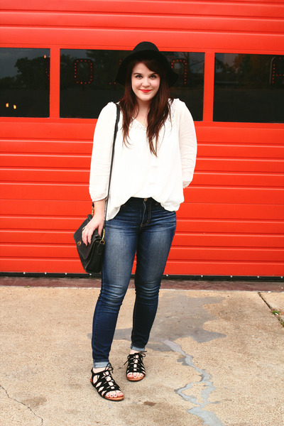 black Moorea Seal hat - blue American Eagle jeans - white modcloth shirt
