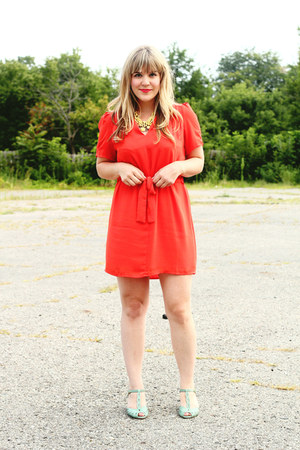coral red clover dress - aquamarine Seychelles heels - yellow Lulus necklace