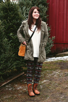 tawny duo boots boots - olive green Levis jacket - ivory H&M sweater