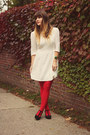 White-modloth-dress-red-gifted-tights-gold-accessory-fanatic-necklace
