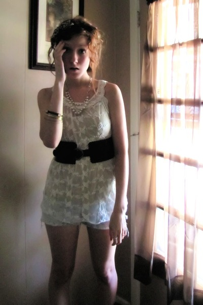light blue Aeropostale shorts - cream top - dark brown Forever 21 belt - Aeropos