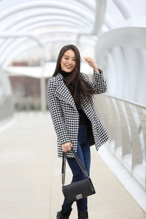 black printed Chicwish coat - navy skinny Aeropostale jeans