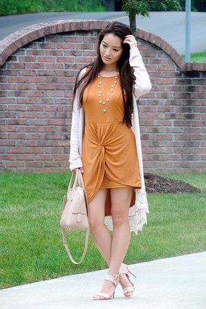 tan Burberry bag - eggshell Rollacoster Clothing cardigan