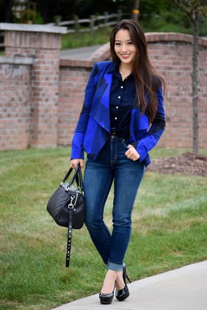 navy checkered BCBG jacket - navy high-waisted Aeropostale jeans