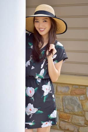 black floral banana republic dress - tan Dynamic Asia hat