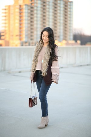 maroon faux fur saks vest - navy skinny Aeropostale jeans