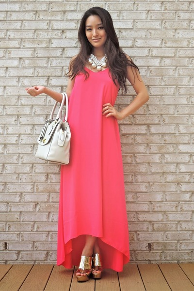 white satchel coach bag - hot pink maxi Boohoo dress